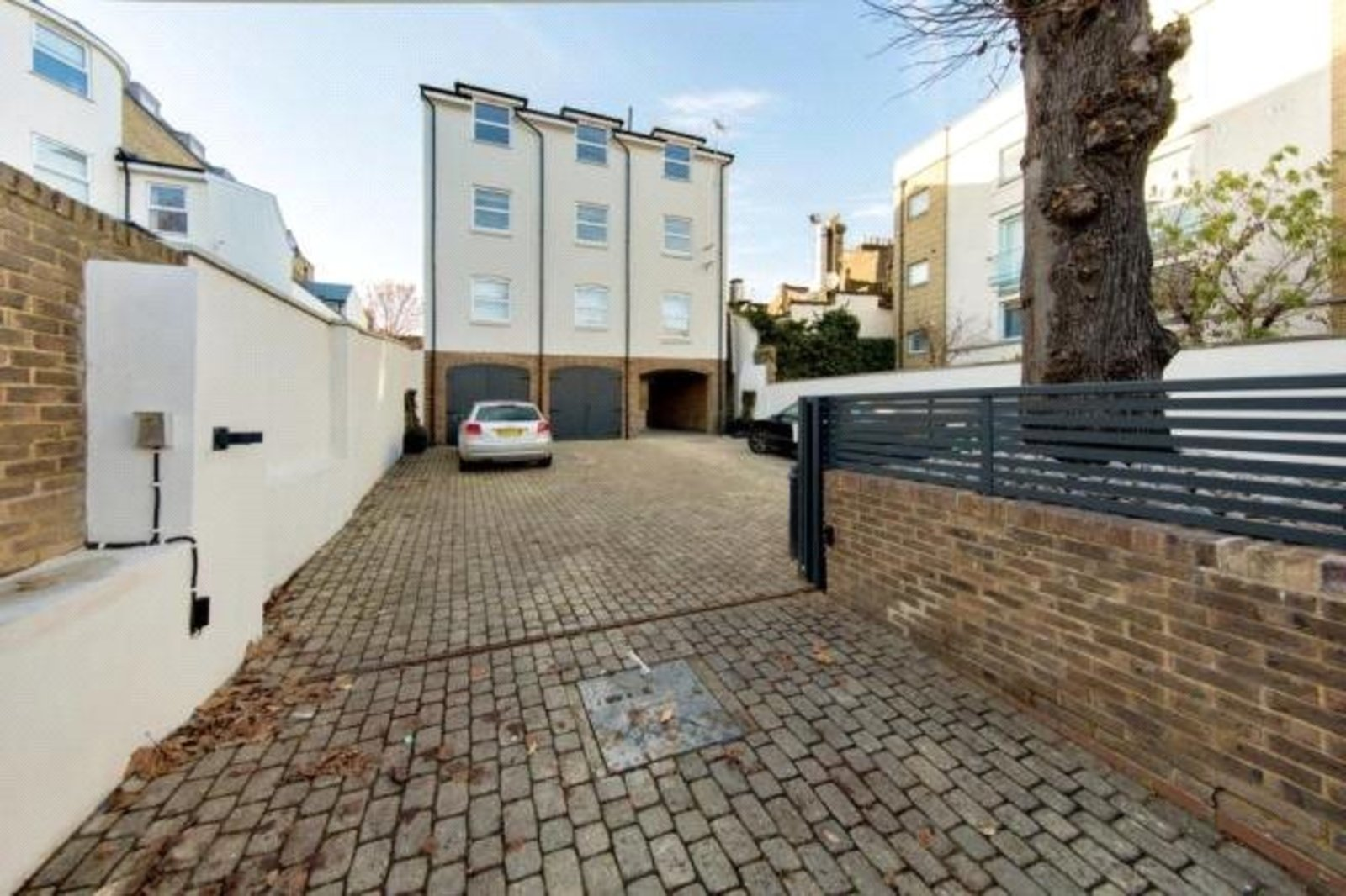 Abberley Mews, London, SW4-6