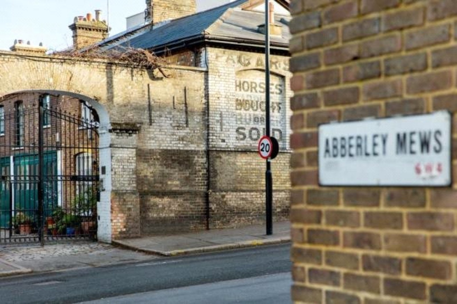 Abberley Mews, London, SW4-9
