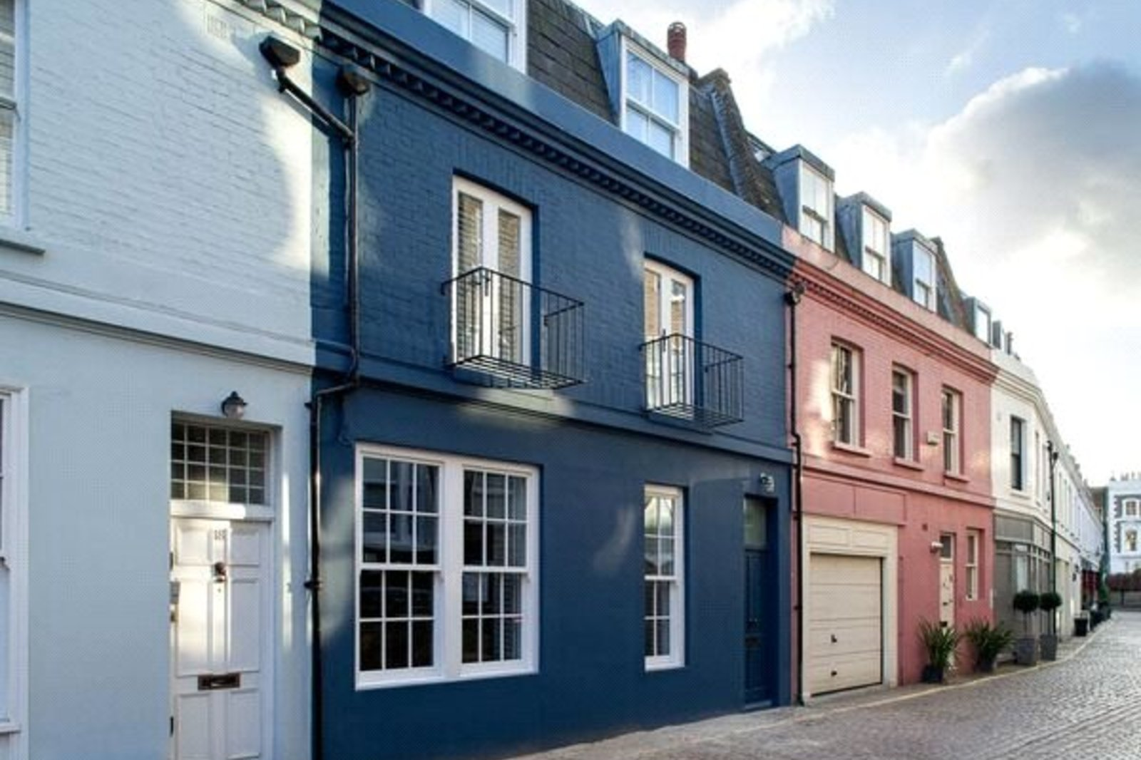 Lexham Mews, Kensington, London, W8
