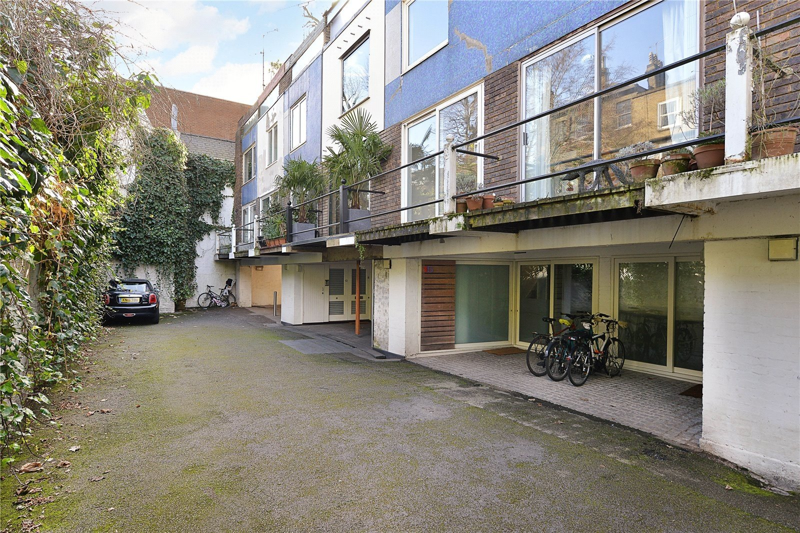 House sold in queensborough mews notting hill london w2 for House notting hill