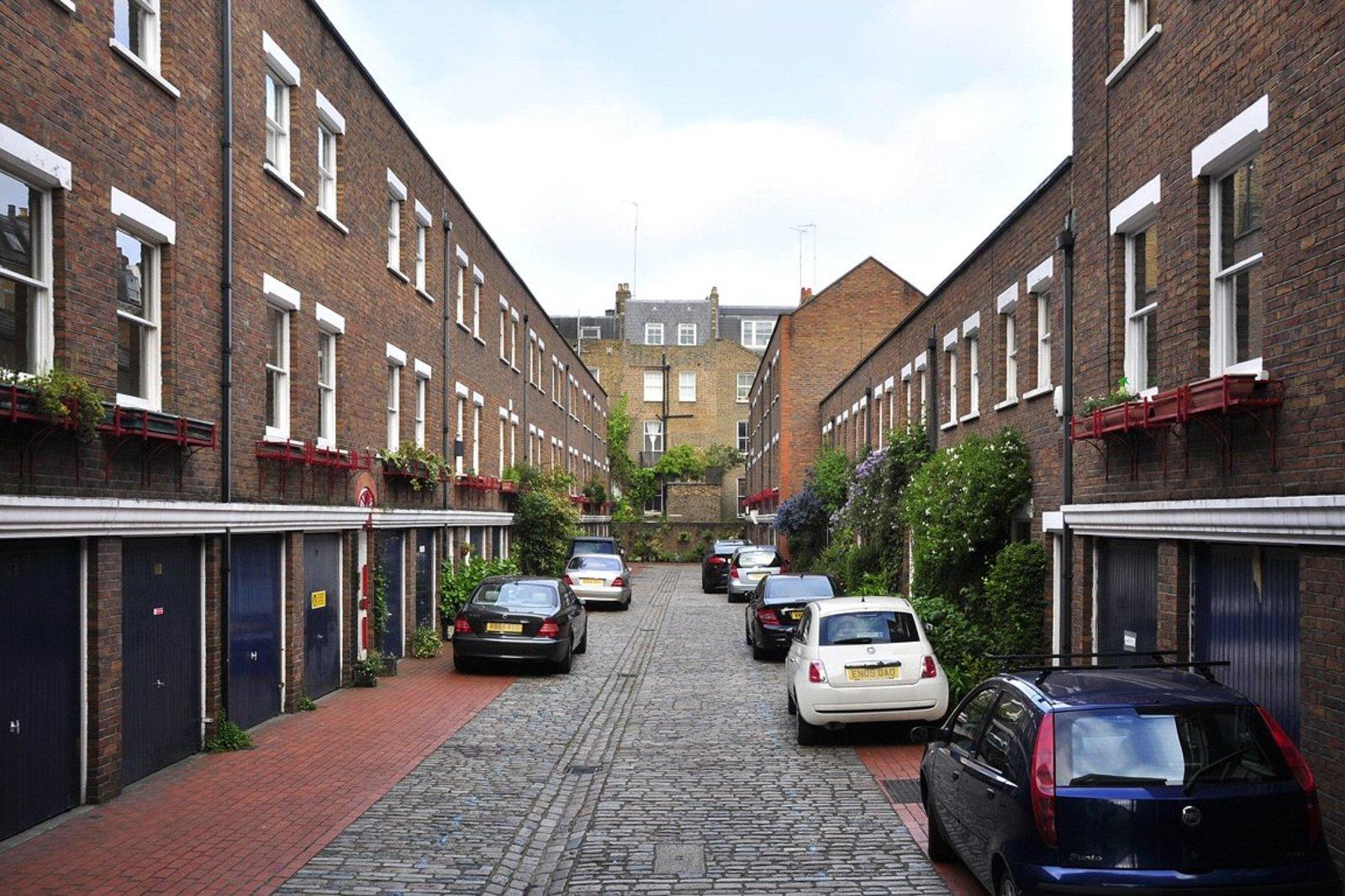 shrewsbury mews notting hill london w2 lurot brand. Black Bedroom Furniture Sets. Home Design Ideas