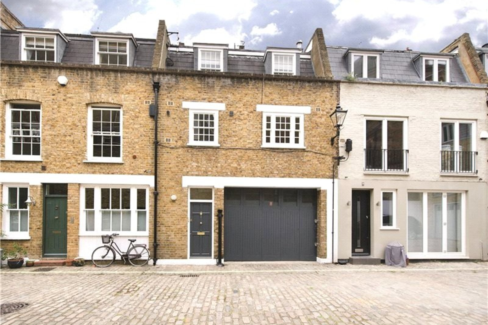 Princes Mews, Bayswater, London, W2
