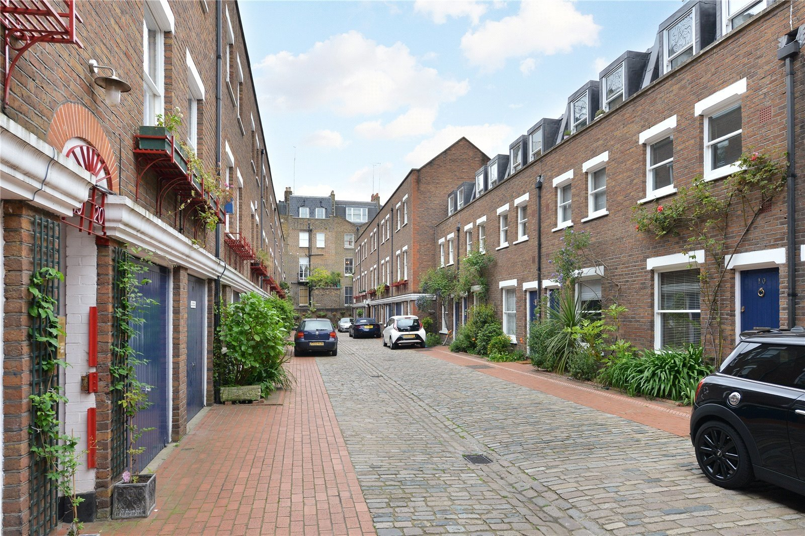 Shrewsbury Mews, London, W2-11