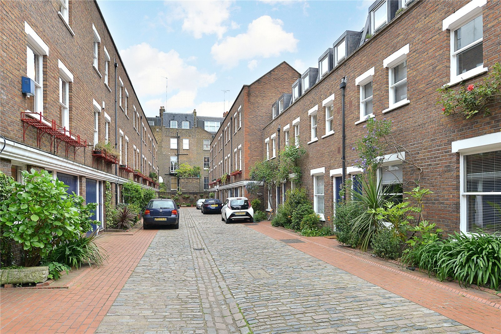 Shrewsbury Mews, London, W2-13