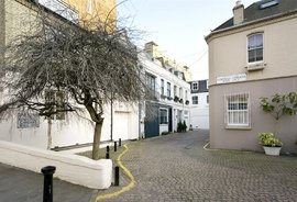 Cornwall Gardens Walk, South Kensington, London, SW7