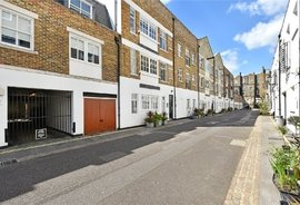 Flat to rent in Brook Mews North, London