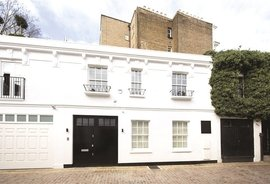 House to rent in Laverton Mews, London