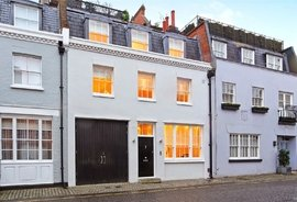 House to rent in Pavilion Road, London