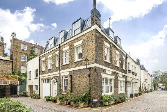 Queen's Gate Mews, South Kensington, London, SW7