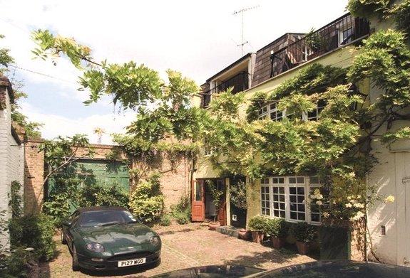 Adrian Mews, Chelsea, London, SW10