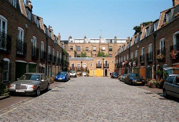 Bristol Mews, Warwick Avenue, Little Venice, Westminster, W9