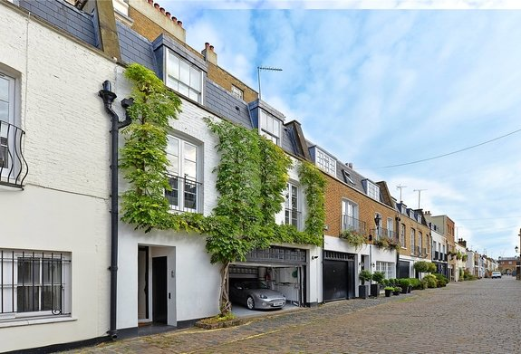 Hyde Park Gardens Mews, Lancaster Gate, London, W2