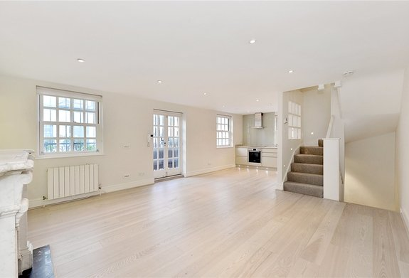 House for sale in Ledbury Mews North, Notting Hill