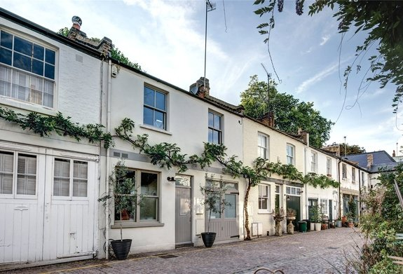 Pembridge Mews, Notting Hill, London, W11