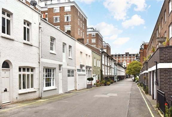 House to rent in Bryanston Mews West, London
