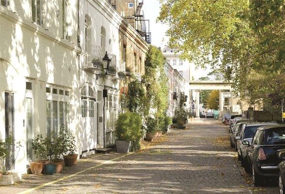 Ennismore Gardens Mews, Knightsbridge, London, SW7